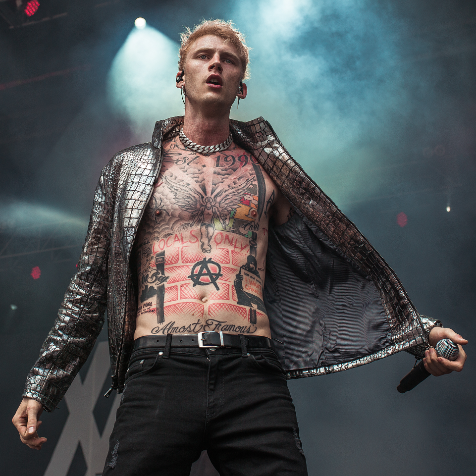 Machine Gun Kelly She Love Me Mp3 Download